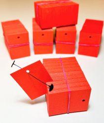 30x40 mm PIROS függő címke/etikett kis lyukkal